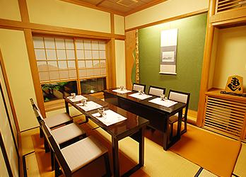 中広間 桜 イス・テーブル席